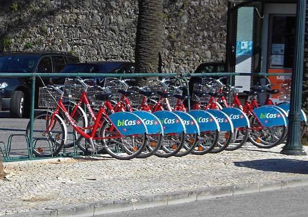BiCAS: passear de bicicleta em Cascais (foto: https://debicicleta.com)