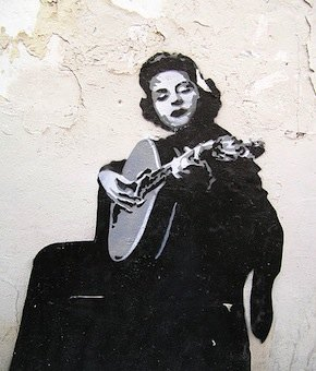 Fadista Amália Rodrigues - stencil (streetart)